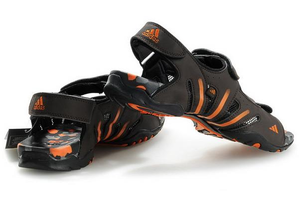 spor sandalet