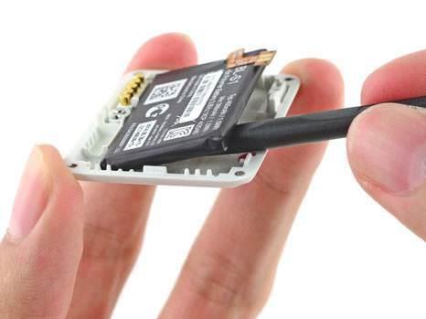 İFixit teknolojik aletleri parçalıyor